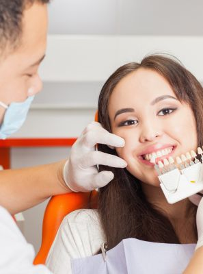 Clareamento dental caseiro: Passo a passo de como fazer