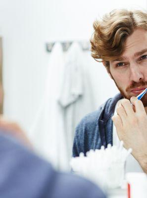 Se a escova de dentes caiu no chão é arriscado continuar usando?
