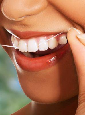 O fio dental ideal para você: saiba como escolher o tipo correto para o seu caso