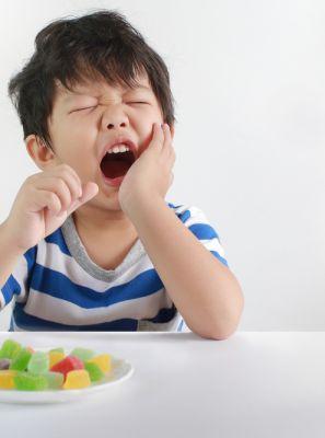 Sensibilidade dentária também é possível em crianças. Odontopediatra explica como se prevenir