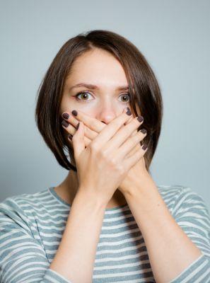 Erosão dentária pode ser causada por problemas no estômago