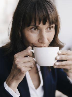 5 alimentos que devem ser evitados após realizar o clareamento dental