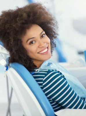 Clareamento dental: caseiro, a laser ou combinado? Confira prós e contras de cada técnica
