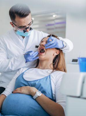 Pré-natal odontológico: saiba como o acompanhamento pode ajudar a saúde bucal de gestantes