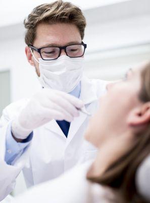 Tratamento para mau hálito: qual é o melhor remédio? Como evitar? A higiene bucal é suficiente? Conheça 5 causas desse odor