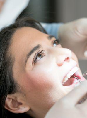 Cuidados após o tratamento de canal: o que comer? O que evitar? O dente perde a sensibilidade? Entenda o que muda depois do procedimento