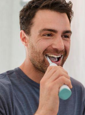 Escova de dentes elétrica ajuda no tratamento da gengivite?