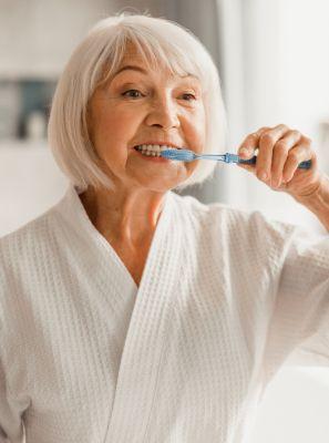 Cuidados com o implante dentário: higiene bucal, alimentação, o que fazer após a cirurgia