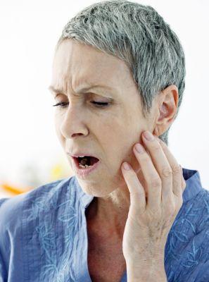 Como curar a dor na ATM? Conheça as causas da DTM e o que fazer para tratar os incômodos desse problema