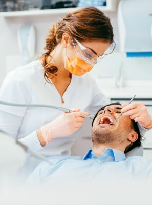 Tratamento de canal: dentista explica o procedimento do início ao fim