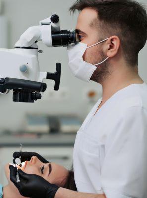 Microscopia endodôntica: quais os benefícios dessa técnica?