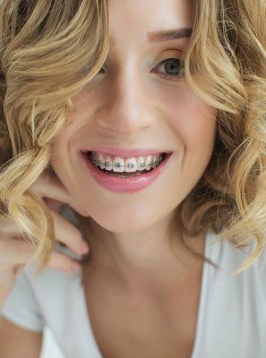 Ortodontia pode ajudar no tratamento dos sintomas de bruxismo?