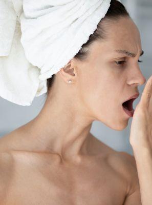 Dente furado pode provocar mau hálito?