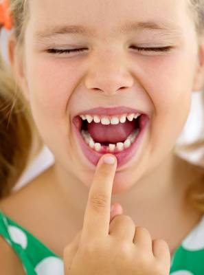 Dentinho mole: Ajude seu filho a tirar o primeiro dente de leite