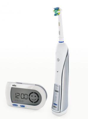 De olho no tempo: Entenda como a escova elétrica ajuda na higiene bucal