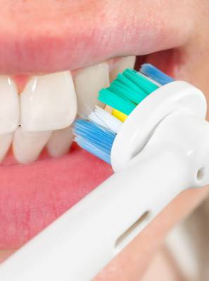 Escova elétrica: como obter o melhor uso dessa ferramenta na sua higiene bucal