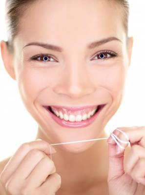 Fio dental, escova de dentes com cerdas macias: confira 20 hábitos de saúde bucal para um ano novo cheio de sorrisos