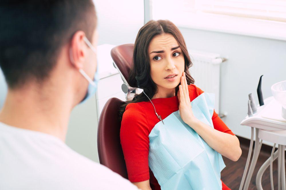 Como tratar a sensibilidade dentária? Profissional desvenda as principais dúvidas sobre o tema
