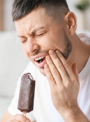 Dentes sensíveis: o que pode ser a causa?