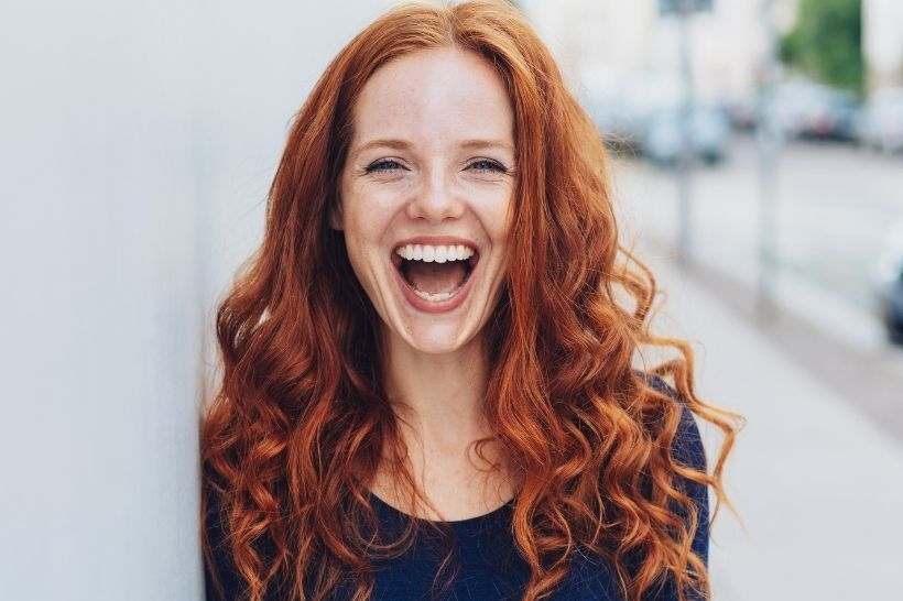 Branqueamento dental pode resolver manchas nos dentes?
