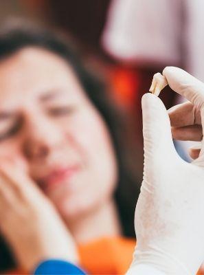 Extração de dente quebrado é necessária?